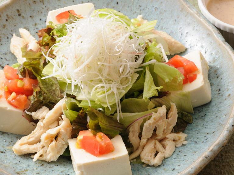 豆冨と蒸し鶏のごまドレサラダ